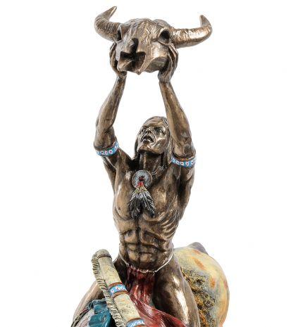 Статуэтка Индеец с трофеем WS-493