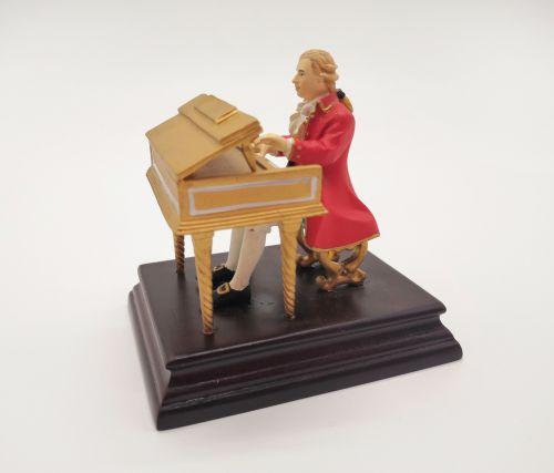 Статуэтка Моцарт за клавесином LK-020