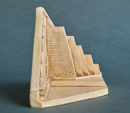 """Статуэтка """"Пирамида в разрезе"""" HN-135"""