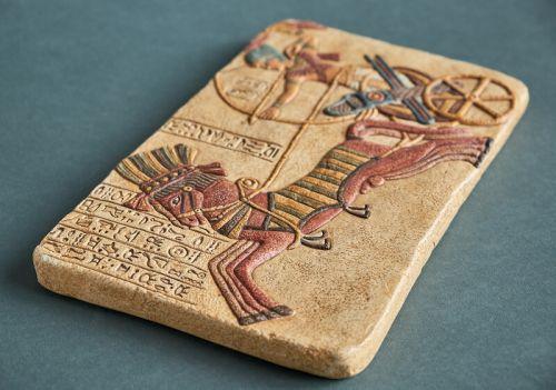 """Рельеф """"Рамзес II на колеснице"""" HN-136"""